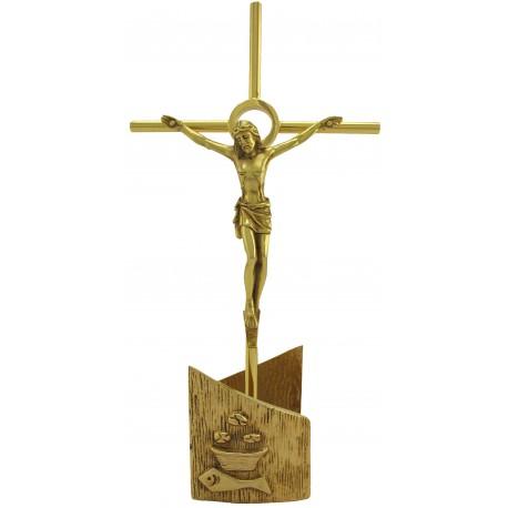 Croix sur pied